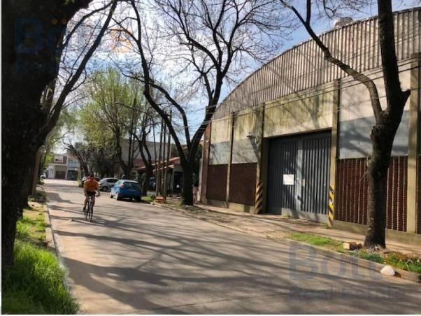 venta depósito y oficinas en olivos (panamericana)