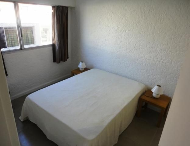 venta depto. 2 dormitorios península punta del este.-
