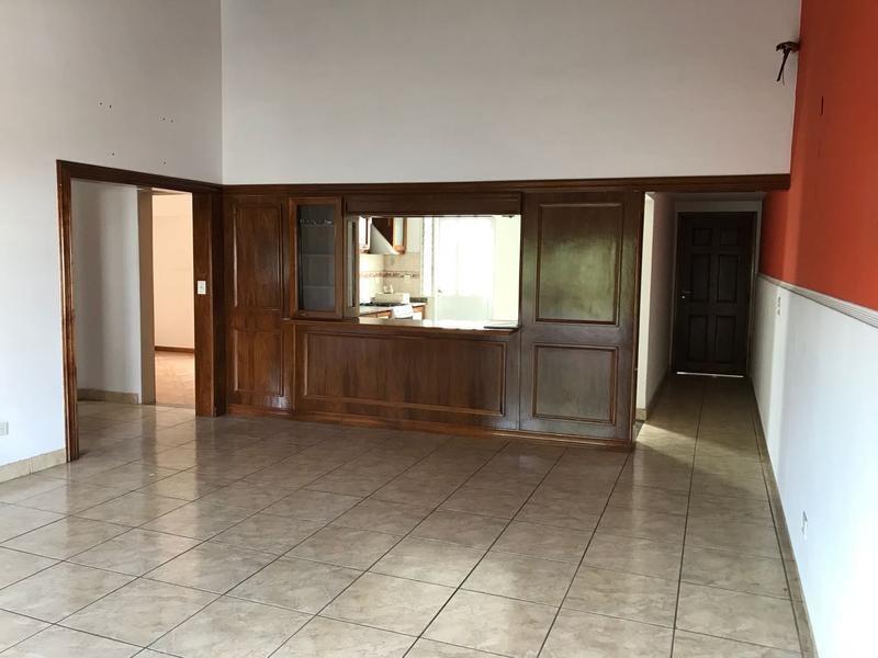 venta depto 3 ambientes en bernal - terraza propia- sin expensas- acepta financiacion