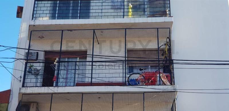 venta depto. villa del parque 3 amb. c/balcón 52m2,  zona residencial.