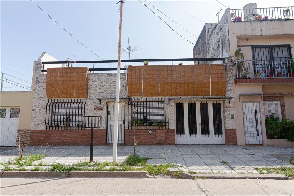 venta divina casa 3 amb. c/patio /terraza/garage