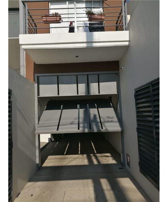 venta dos ambientes en caseros, terraza propia!