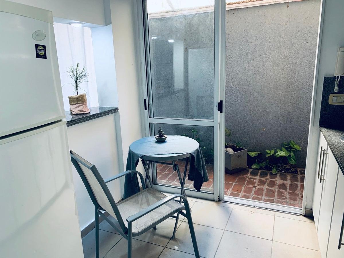 venta - dpto 1 dormitorio con patio - barrio de pichincha
