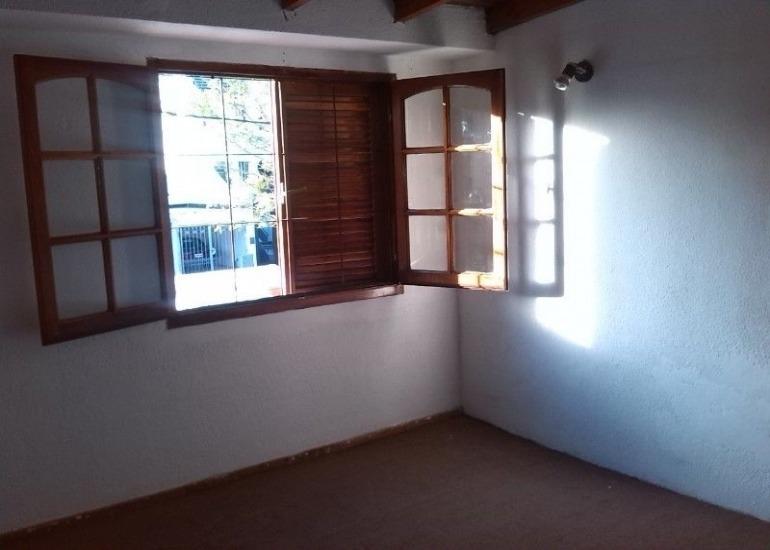 venta duplex 1 dorm. c/ cochera y patio 33 esq. 22venta de departamento tipo duplex de un dormitorio en calle 33 esquina 22.