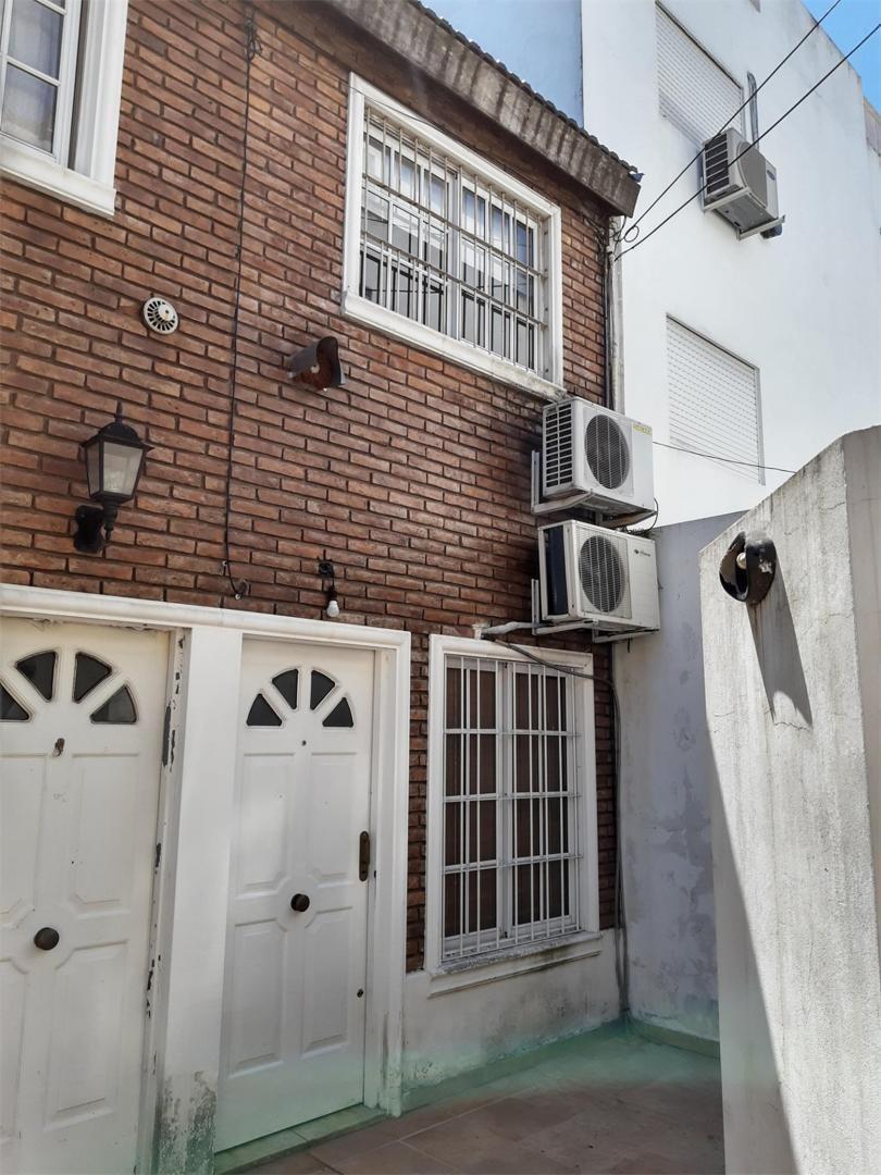 venta duplex 2 ambientes ramos mejia con patio