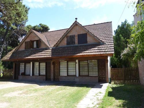 venta duplex 2 dormitorios villa gesell zona centro