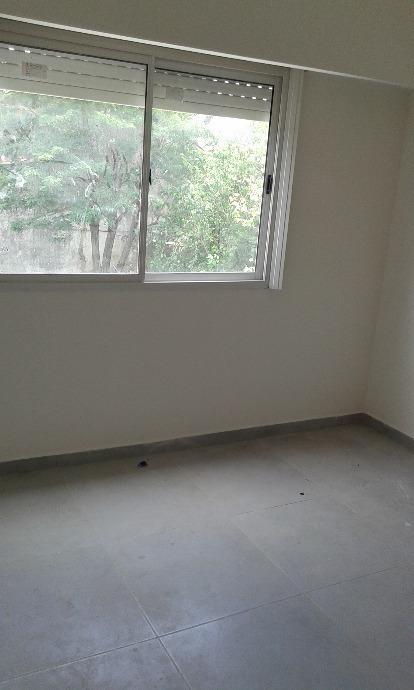 venta duplex  3 amb, cochera fondo libre. castelar sur