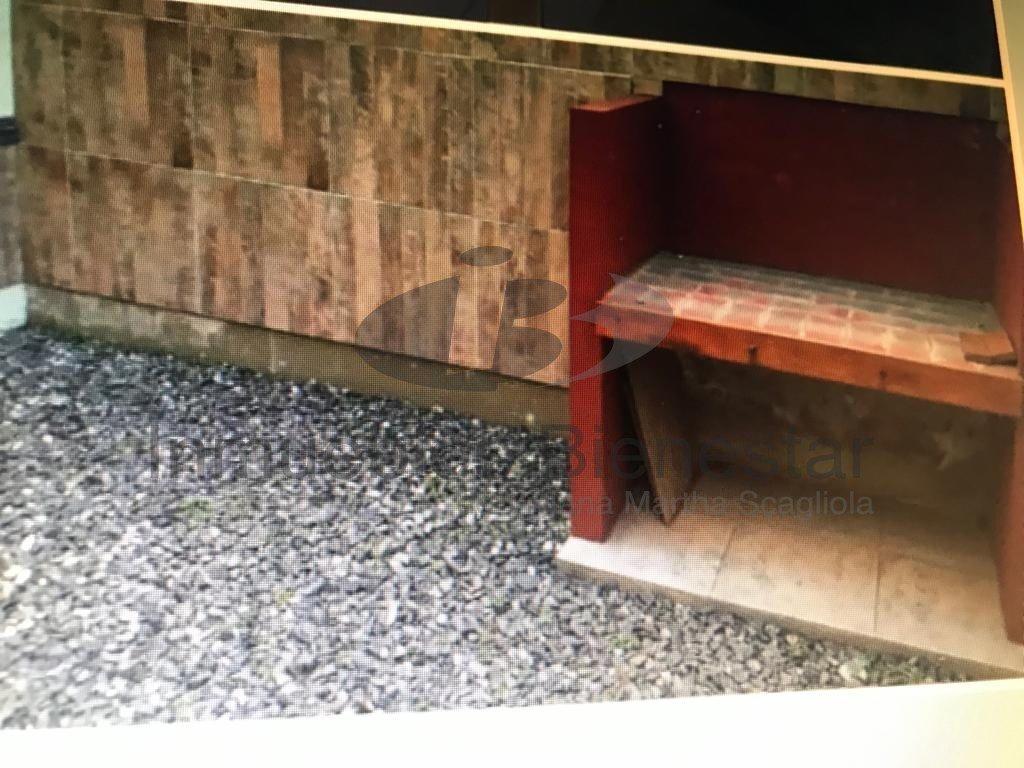 venta duplex 3 amb de 5 años de antigüedad en san josé, con cochera y patio.