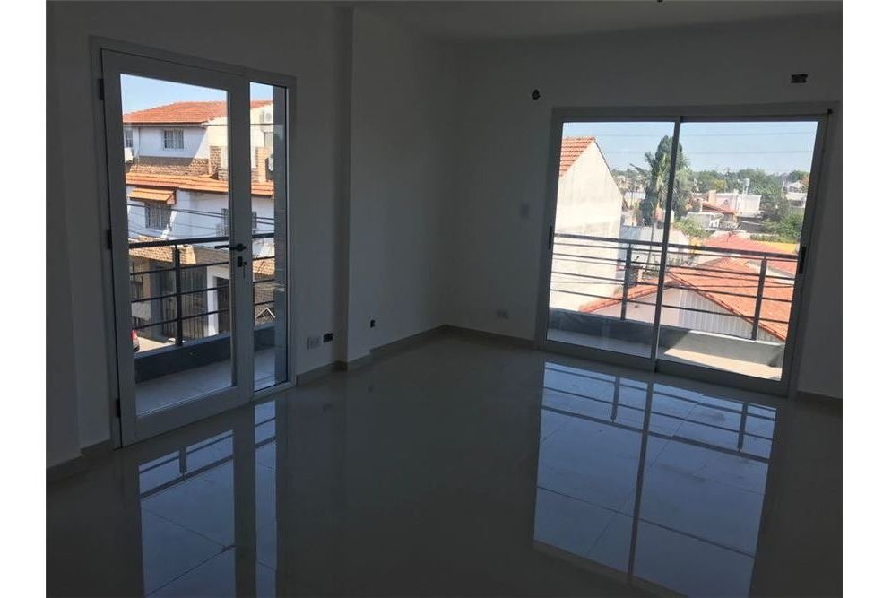 venta duplex 3 amb quilmes-ezpeleta. balcon