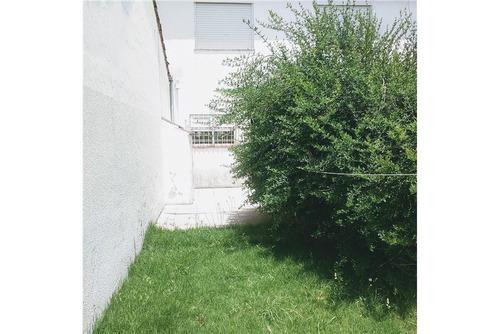 venta duplex 3 ambientes con jardin en mogotes