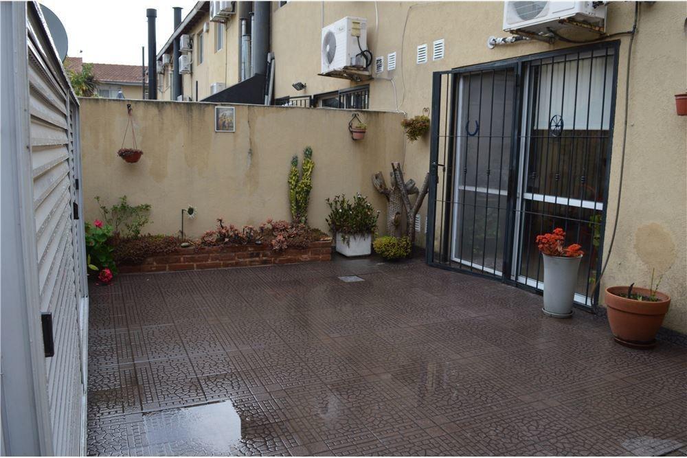 venta duplex 4 amb con cochera y patio -b. privado