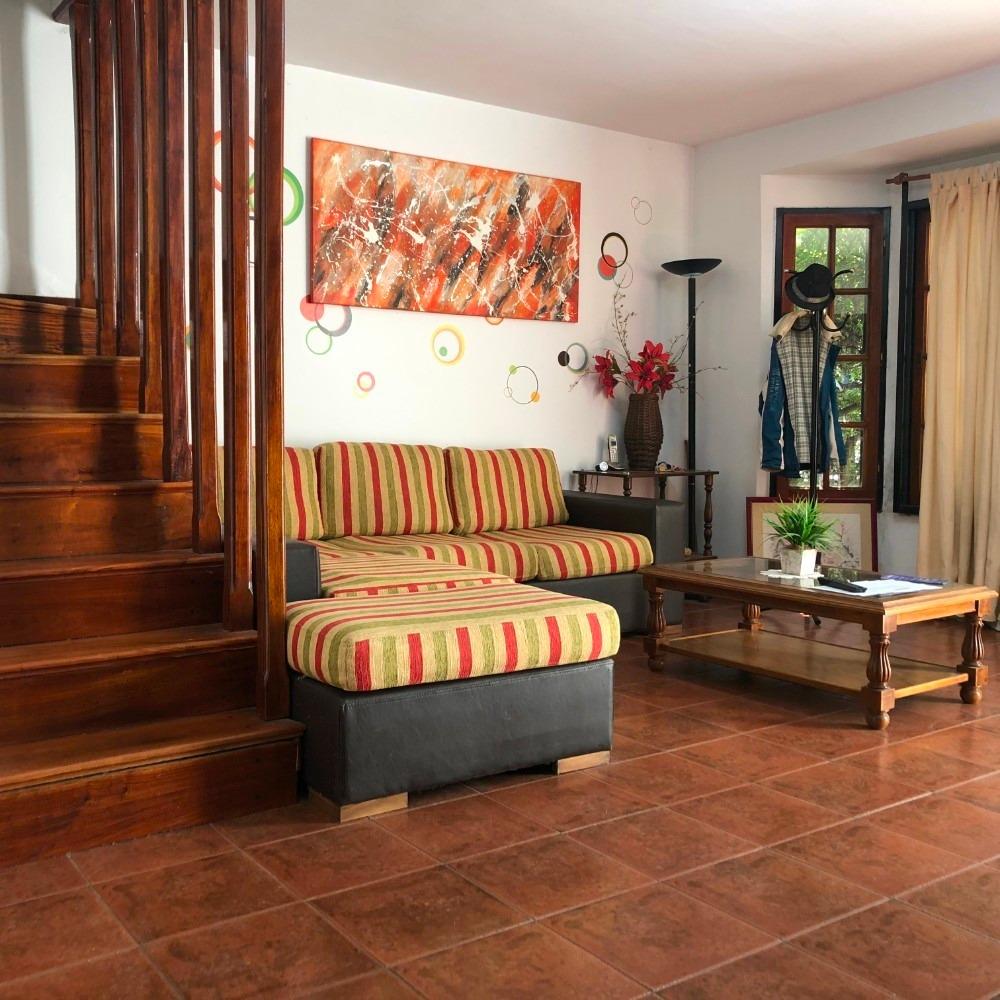 venta duplex 4 ambientes con fondo libre castelar centro