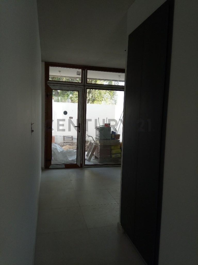 venta duplex en gonnet , 504 e/ cno belgrano y 21