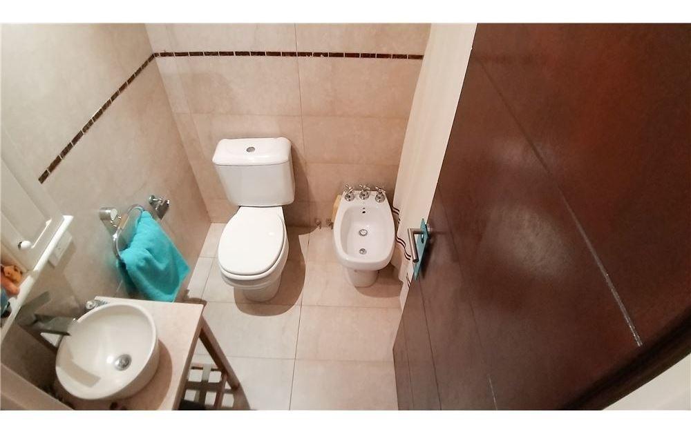 venta duplex tipo casa 5 amb. c/pileta carapachay