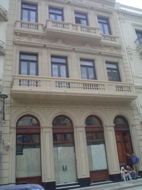 venta edificio oficinas ciudad vieja 1500m2 reciclados