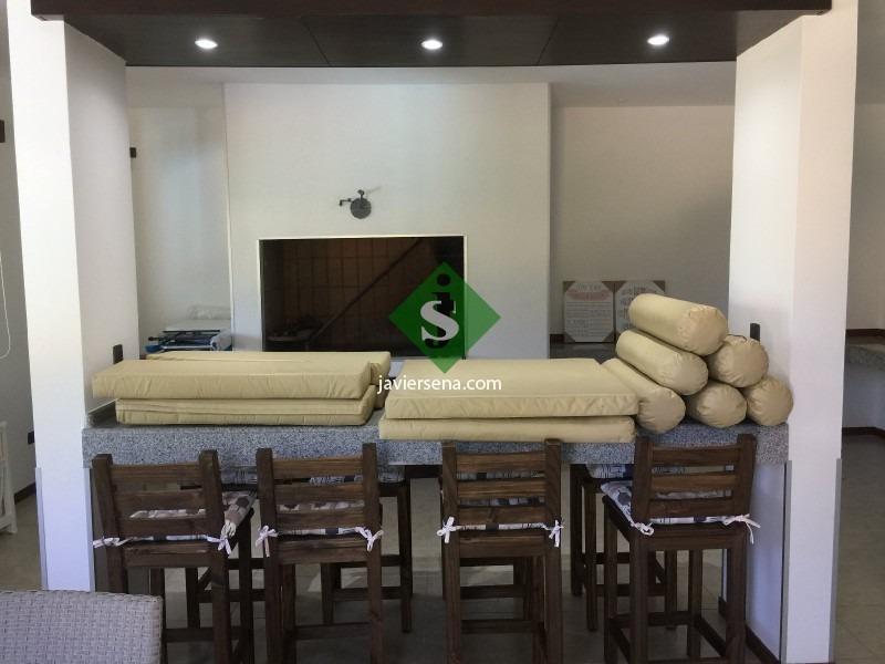 venta en pinares, gran edificacion, 4 dormitorio, 4 baños, pileta, 2 cuad/del mar, a estrenar.- ref: 44841
