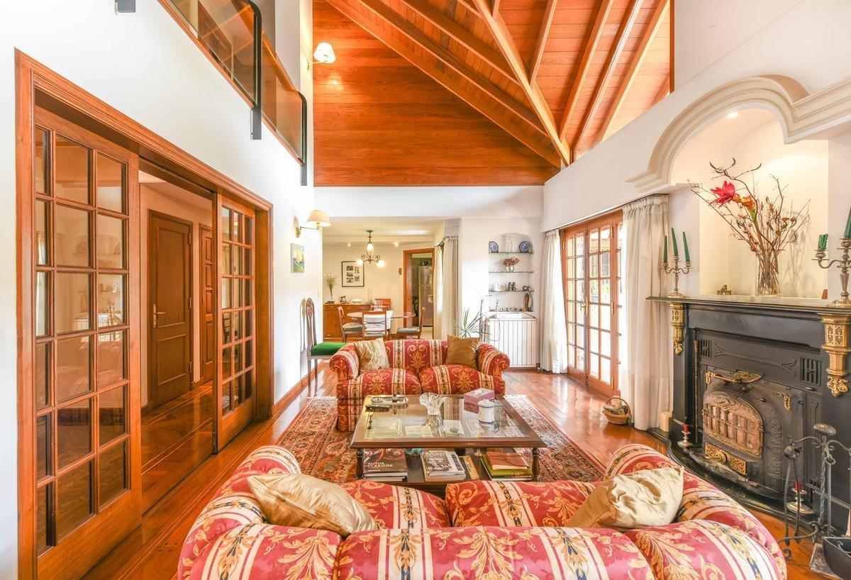 venta espectacular casa 5 amb c/ jardín quincho parrilla dependencias 2 garages quilmes oeste
