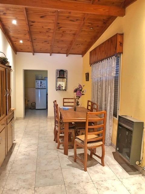 venta exc casa / padre ghio 700 ( junín, bs as)