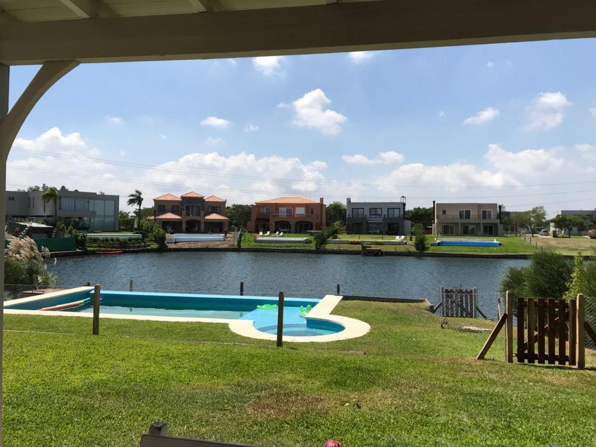 venta excelente casa al lago, 4 dormitorios . nordelta  - barrio los lagos