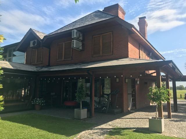 venta excelente casa con vista a los dos golf