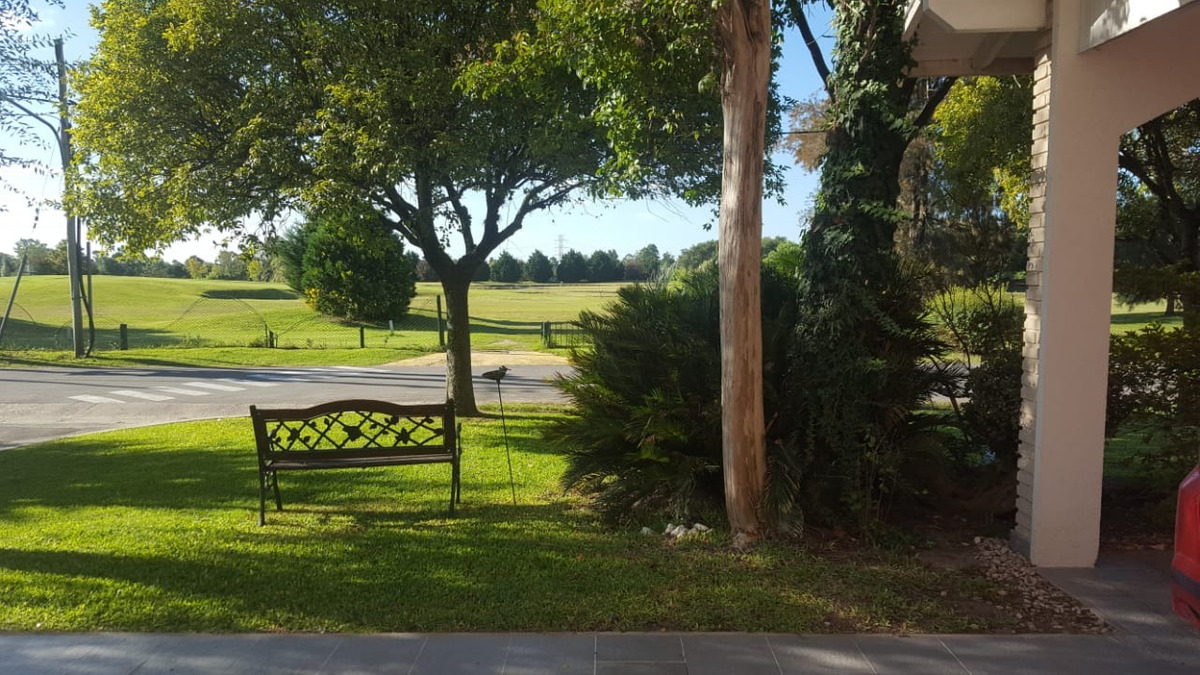 venta excelente casa todo a nuevo. vista al golf. el sosiego