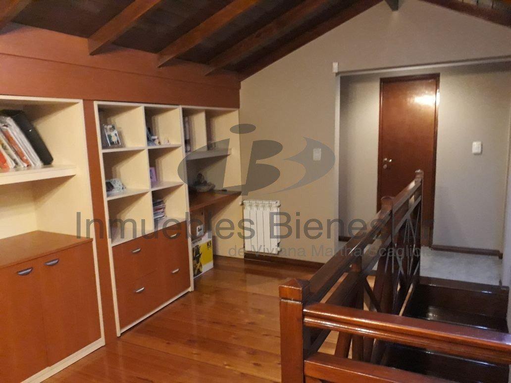 venta excelente chalet 4 amb y escritorio en colinas de peralta ramos / estado impecable - garage - apto crédito - toma permuta -