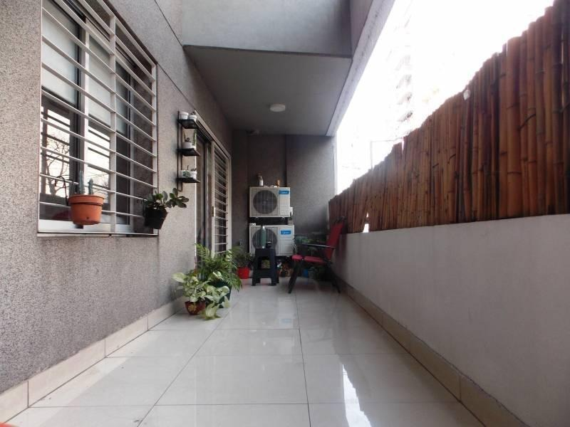 venta excelente departamento 3 ambientes | 85 m2 | cochera y baulera | 2 baños | balcón y patio |