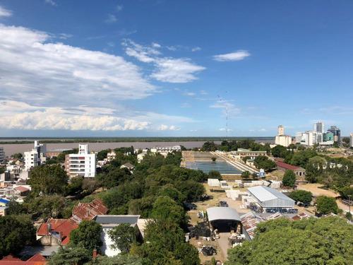 venta excelente duplex vista al rio en barrio arroyito con cochera