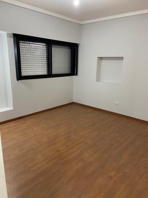 venta excelente ph de 3 ambientes con patio y balcon corrido  - liniers