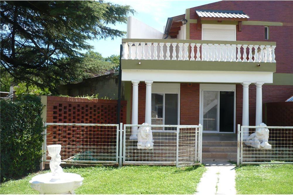venta excelente propiedad en villa del dique +