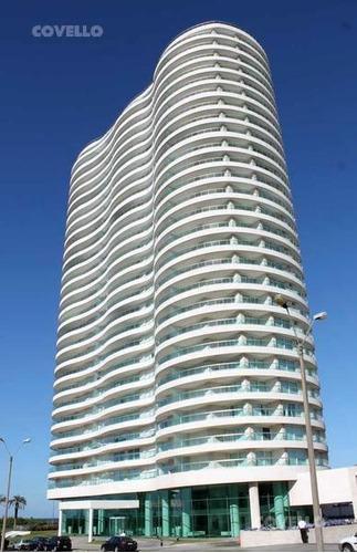 venta!! frente al mar en la mejor torre de punta del este !