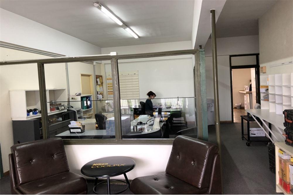 venta galpón con oficinas en monte castro
