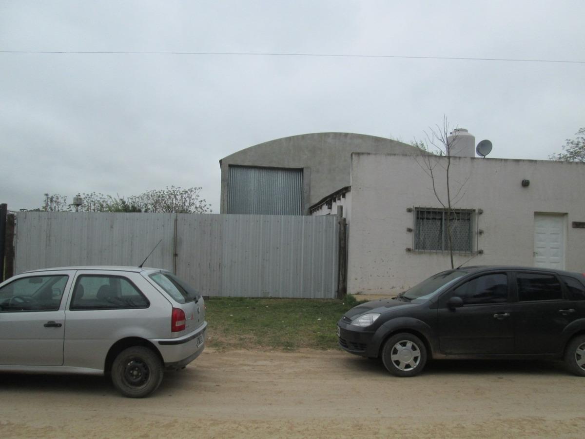venta galpón en san antonio de areco + casa al frente