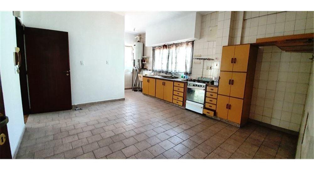 venta galpón + local/oficina + vivienda.barracas