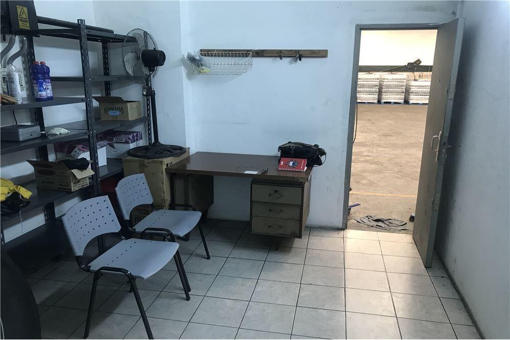venta galpon/deposito + local a la calle. barracas