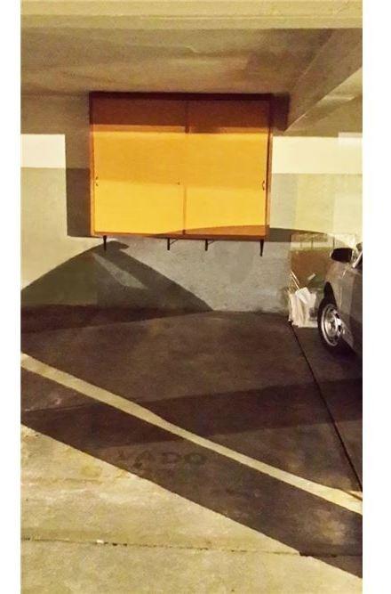 venta garage fijo con box  pocitos  nuevo