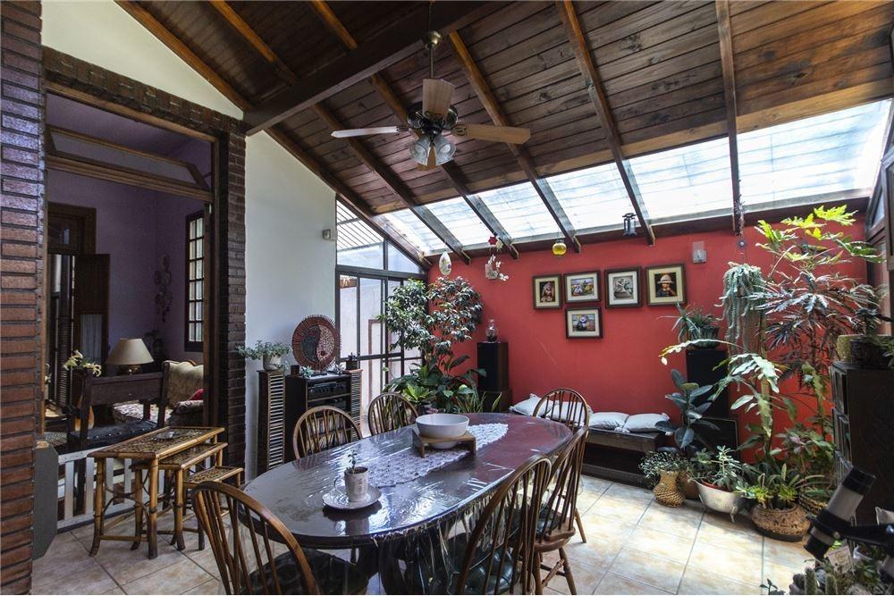 venta-hermosa casa -8amb lote propio 420 mts