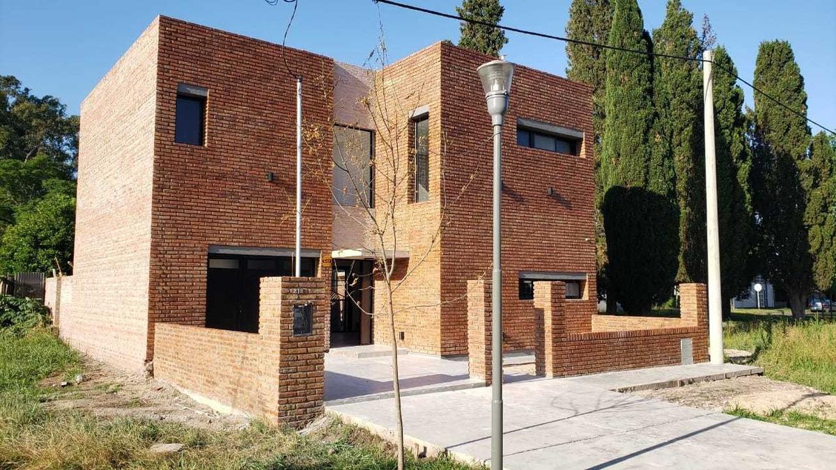 venta - hermosa casa en construcción - g. baigorria