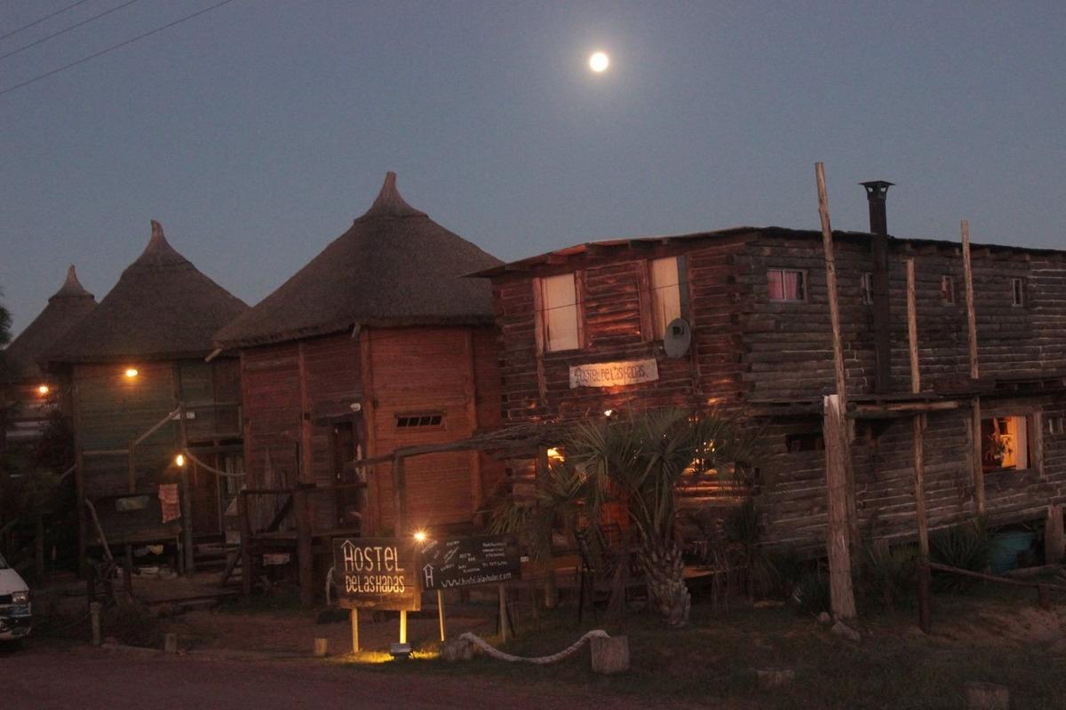 venta hostel punta del diablo uruguay