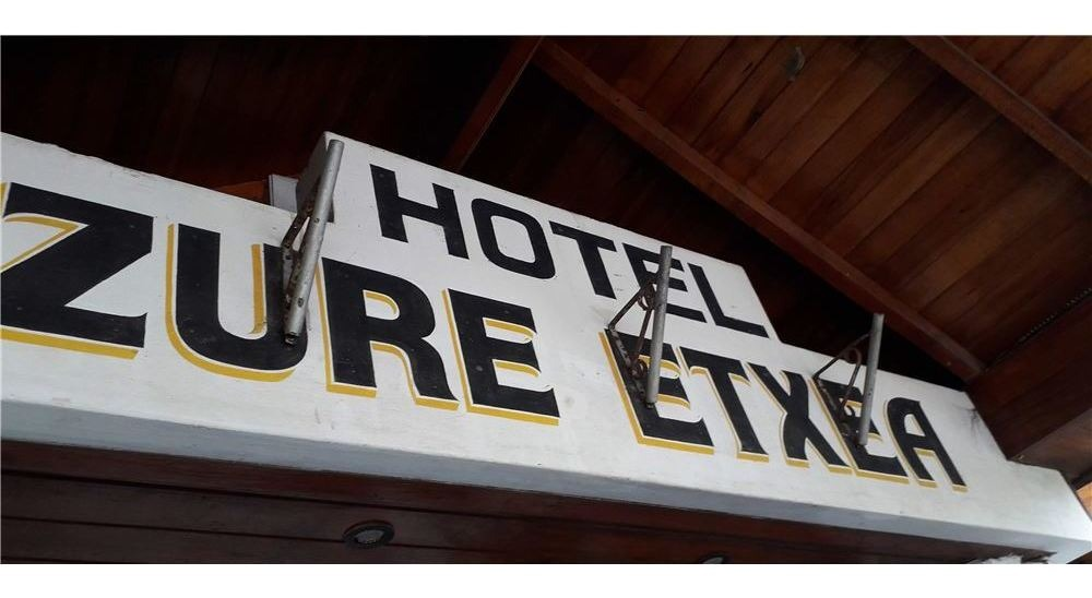venta hotel funcionando en pta. mogotes - 21 hab.