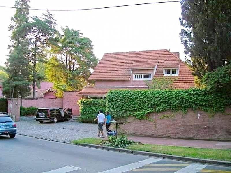 venta imponente casa en beccar apto credito enorme pileta retasada