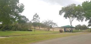 venta imponente casa en club de golf brisas del golf panama