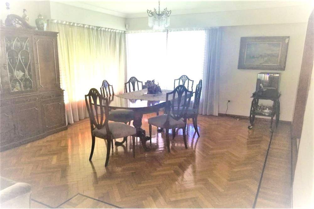 venta imponente casa quilmes 6 ambientes