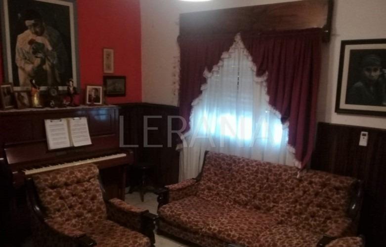 venta ituzaingo casa 4 ambientes cochera cubierta