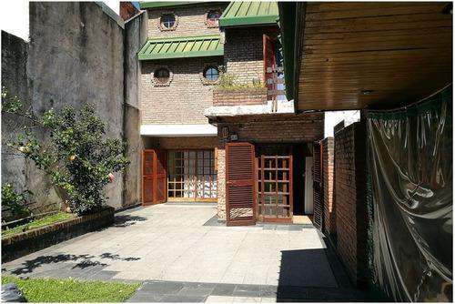 venta. lanús. casa de 4 dorm 459 m2 cub + parque