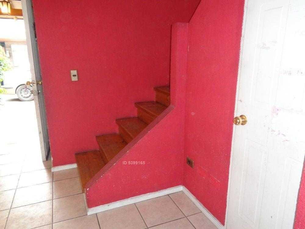 venta linda casa en condominio metro linea 3