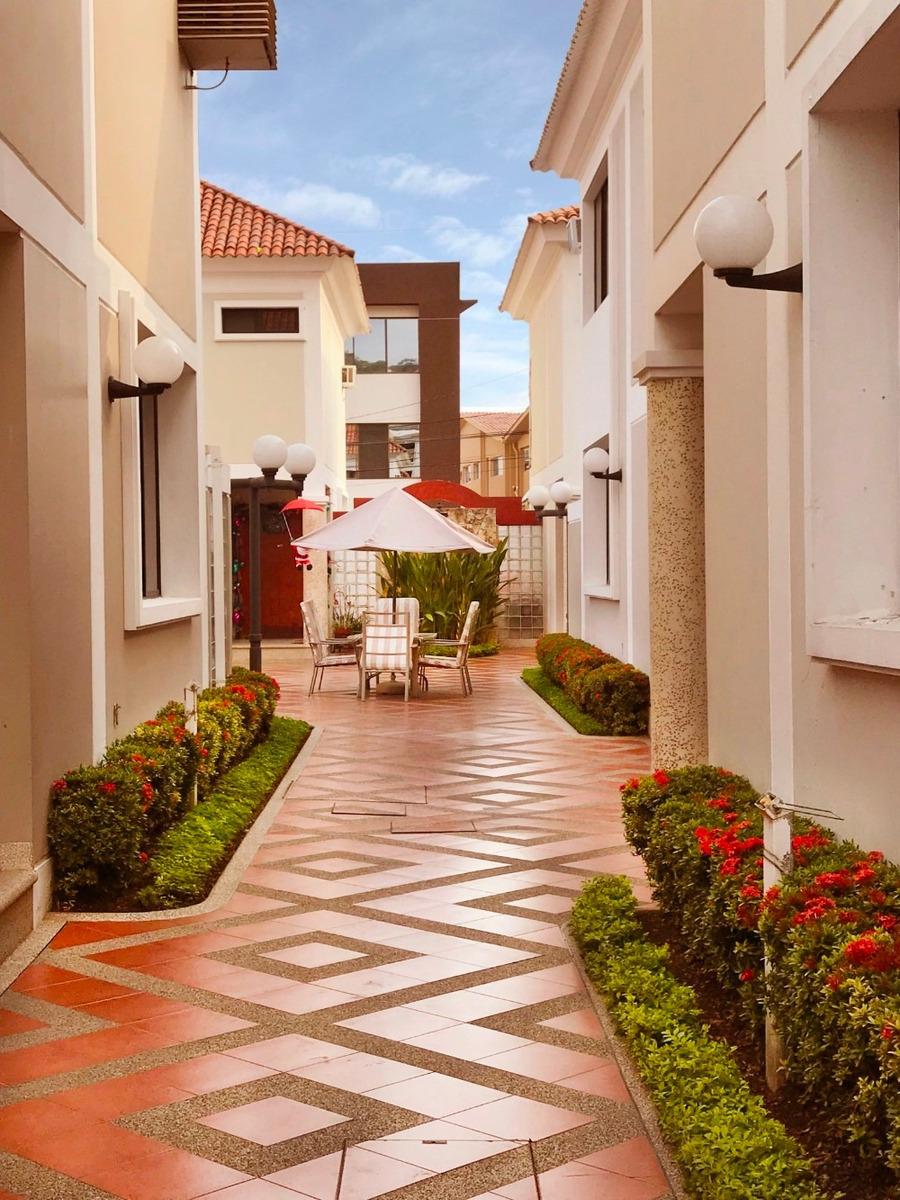 venta linda casa puerto azul via a la costa - guayaquil