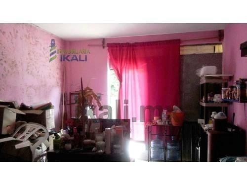 venta local comercial colonia rosa maria tuxpan veracruz, se encuentra ubicado muy cerca de los terrenos de la feria y del restaurante el deportista y de los principales centros comerciales liverpool