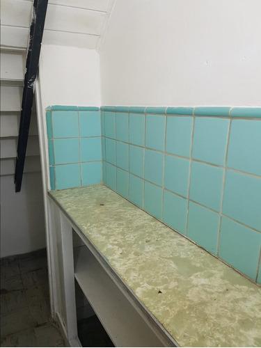 venta local comercial reciclado con sótano sin expensas