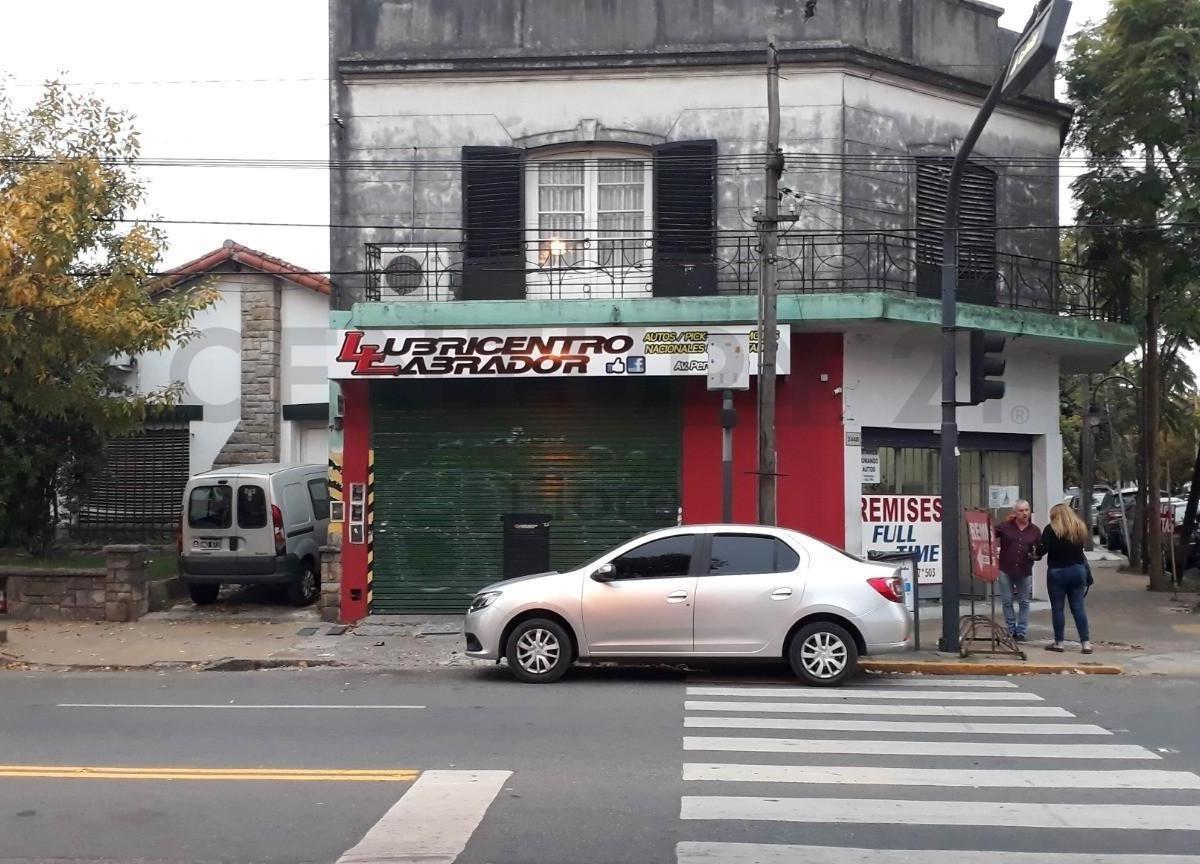 venta  local con renta en san fernando sobre avenida zona comercial.